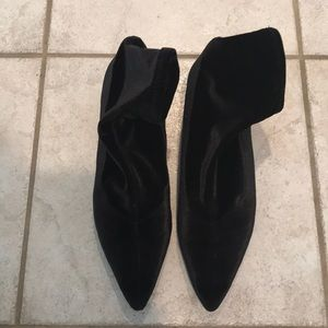 ZARA Square Kitten Black Velvet Booties